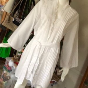 Robe 100% cotton size Large White New